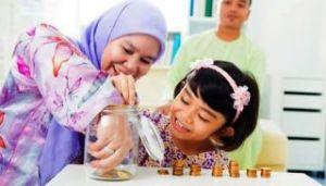 ibu-dan-anak-bermain-uang-Rita al-khansa